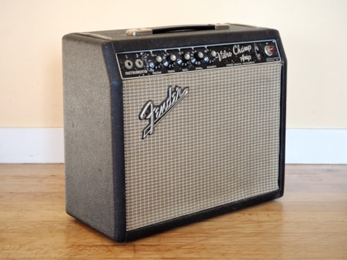 1967 Fender® Vibro Champ® Vintage Class A Tube Amplifier 1x8 Oxford