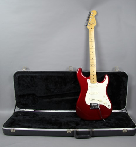1983 Fender® Stratocaster® Electric Guitar Smith Era Candy Apple Red USA w