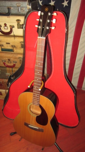 ~1971 Yamaha FG-75 Small Bodied Acoustic