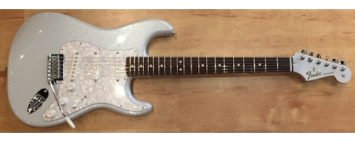 2016 Fender® Special Edition Stratocaster®