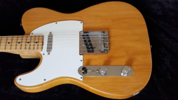 1968 Fender® LEFTY Tele®