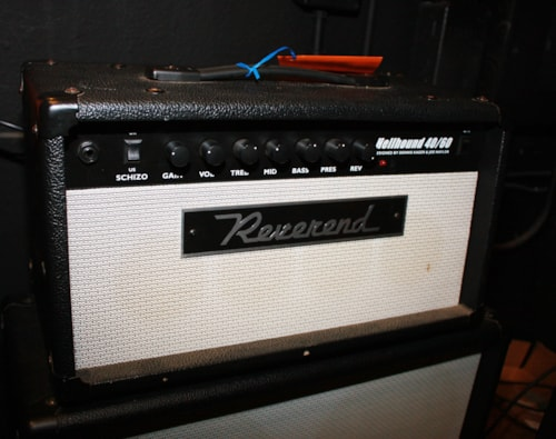 REVEREND Hellhound 60/40 Head and 4X10 Cab