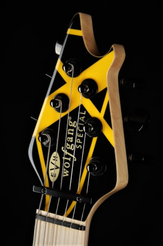 EVH Limited Edition Wolfgang Special - Black with Yellow Stripes