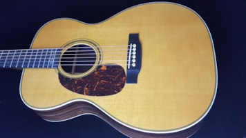 2014 Martin LEFTY 000-28EC
