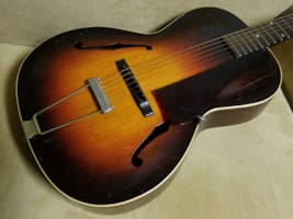 1935 Gibson L30