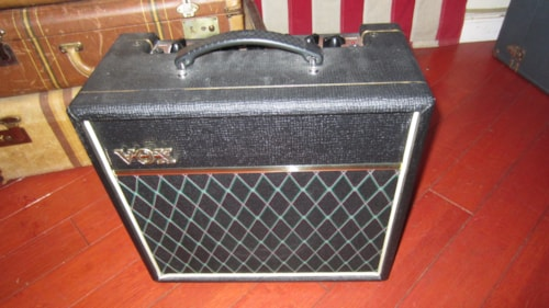 Vox Pathfinder 15 Combo amp w/ Tremolo and Reverb
