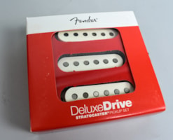 Fender® Fender® Deluxe Drive Stratocaster® High Output, High