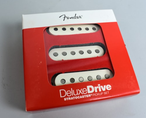 Fender® Fender® Deluxe Drive Stratocaster® High Output, High Intensity