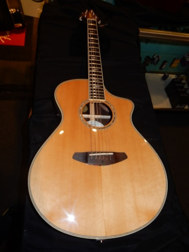 2014 Breedlove Stage Concert Acoustic Electric Guitar