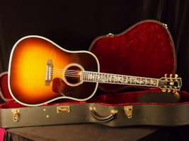 2001 Gibson Custom Shop J-45 Vine