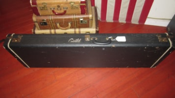 1974 Guild® B-301 Electric Bass Case