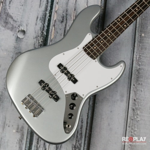 Squier Affinity Jazz Bass (Slick Silver)