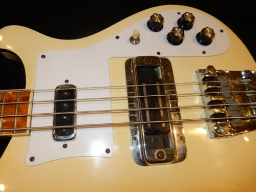 1976 Rickenbacker 4001 Electric Bass Guitar