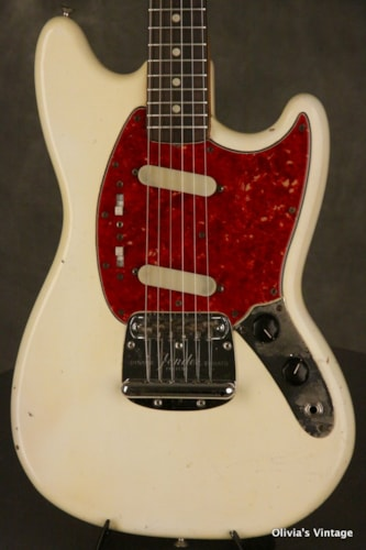 1964 Fender® Mustang® pre-CBS w/pearl + clay dot inlays