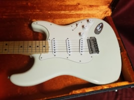 2005 Fender® '69 N.O.S. Stratocaster®, Custom Shop