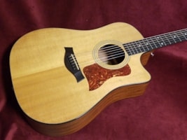 2002 Taylor 310-CE Acoustic/Electric