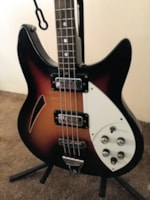 1968 Shaftesbury   hollowbody bass