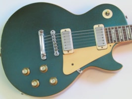 1974 Gibson Les Paul Deluxe signed by Les Paul