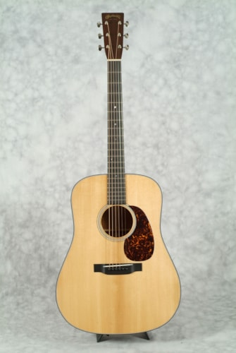 Martin D-18 AUTHENTIC 1939 GUITAR & CASE with VTS & VINTAGE GLOSS FINISH