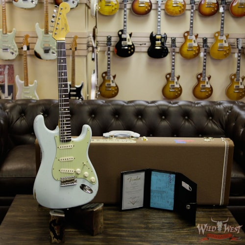 2017 Fender Custom Shop 1963 Stratocaster Relic Rosewood Fretboard Sonic Blue
