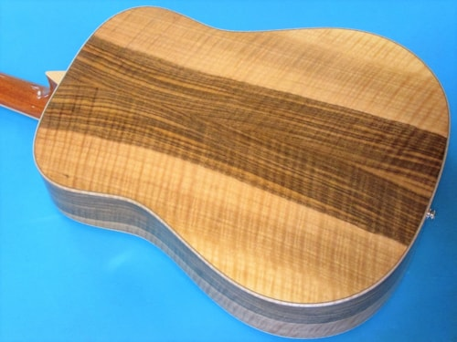 Larrivee D-09 Figured Walnut, Alpine Moon Spruce