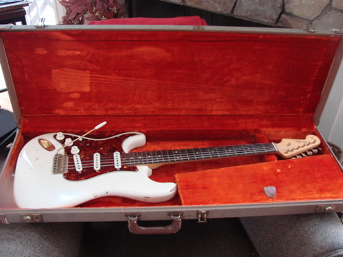 1963 Fender® LEFTY Strat®
