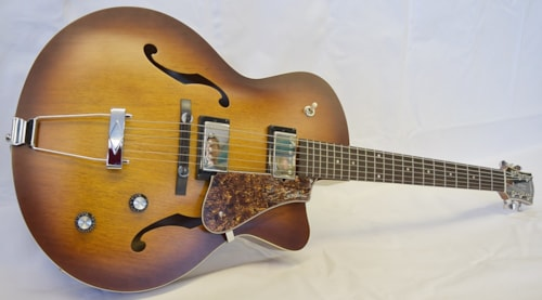 Godin 5th Ave.CW Kingpin 2 HB