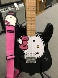 Squire Hello Kitty Stratocaster