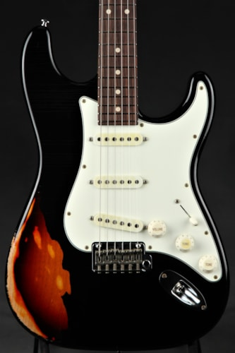 Suhr Classic Antique Pro Limited - Black Over 3 Tone Sunburst