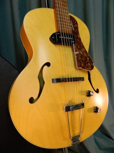 ~2015 Godin 5th Avenue Kingpin