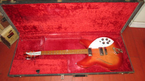 ~1966 Rickenbacker 330 / 360 Guitar case