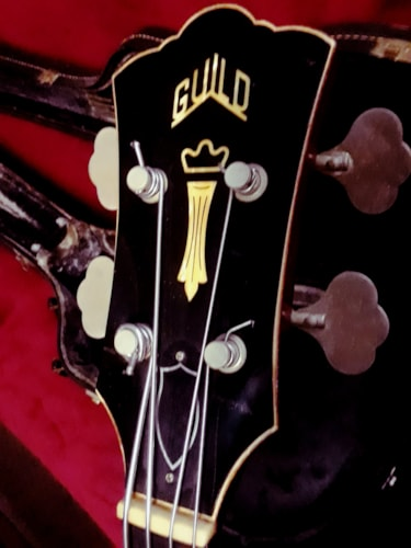 1968 GUILD M-85 II Bass