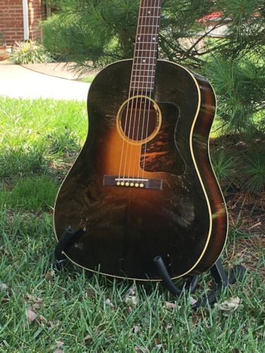 1935 Gibson JUMBO (First Gibson dreadnought)
