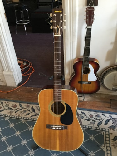 Bently Model 5111 Acoustic Guitar