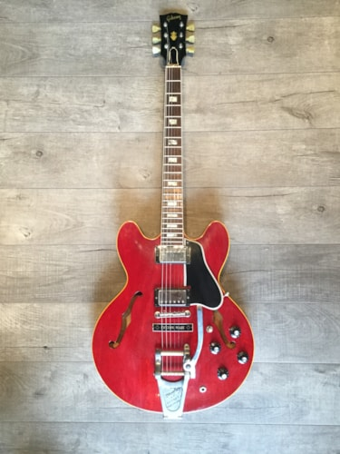 1964 gibson es 335 with factory bigsby cherry guitars electric semi hollow body ss vintage. Black Bedroom Furniture Sets. Home Design Ideas