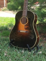1935 Gibson Jumbo (Gibson's first dreadnought)