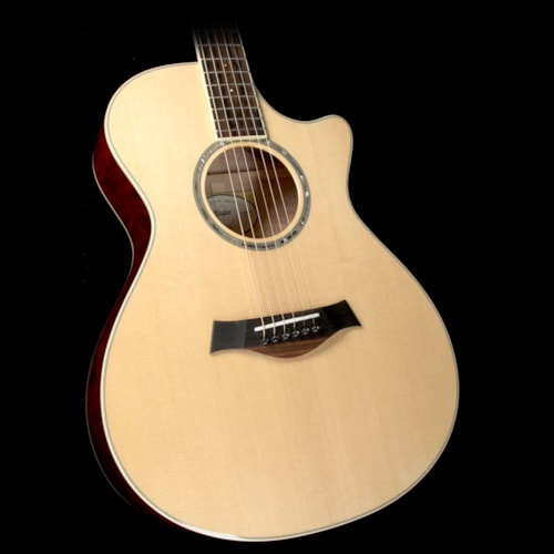 Taylor Custom Shop Grand Concert Sitka Spruce and Quilted Maple Acoustic-Electric Guitar Natural
