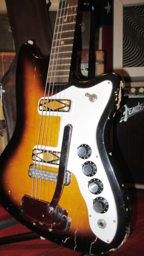 ~1965 Silvertone Bobkat Double Pickup with Tremolo