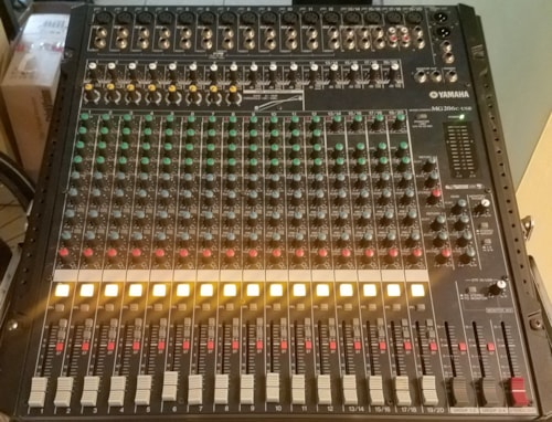 Yamaha MG206C-USB Mixing Console 20X4X2 Live and Recording