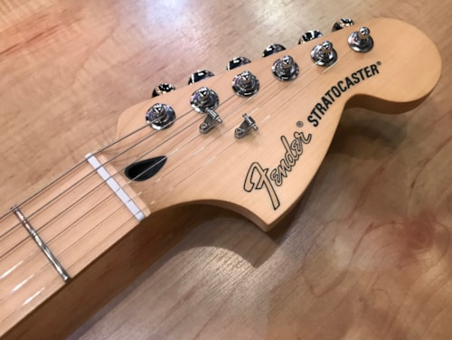 2017 Fender Deluxe Stratocaster Electric Guitar