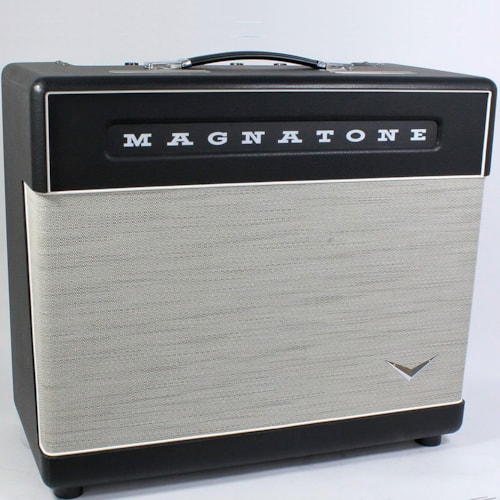 Magnatone Super 15 Combo Guitar Amplifier With Cover