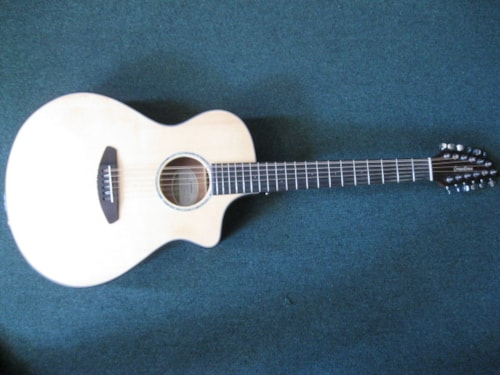 Breedlove Pursuit Concert CE 12st