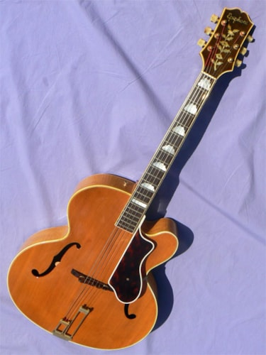 Epiphone Deluxe Regent: Extremely Rare Super Jumbo Cutaway