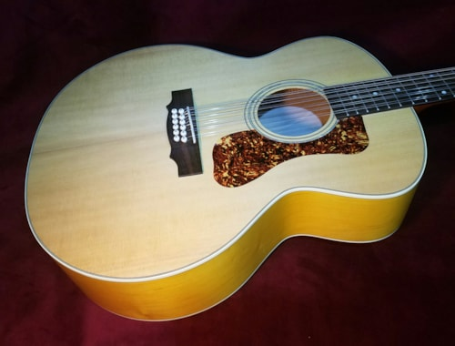 2017 Guild F-2512e Jumbo 12- String Acoustic/Electric