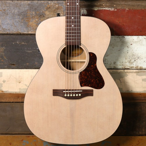 Art & Lutherie Legacy Faded Cream QIT